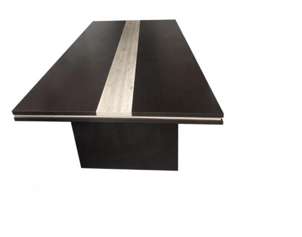 שולחן -ישיבות-מפואר