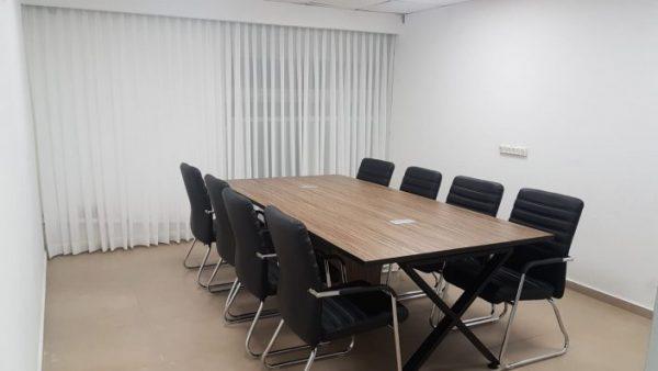 שולחן לחדר ישיבות | שולחנות לחדרי ישיבות