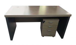 שולחן-מנהלים