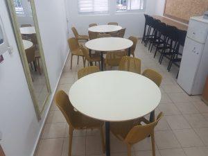 שולחן-חדר-מורים